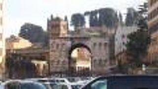 ジアノ凱旋門