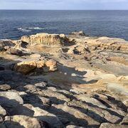 平らな岩の並ぶ千畳敷
