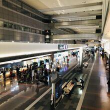 ガラガラの空港