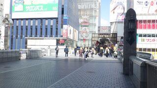 大阪ミナミの老舗の名所です。