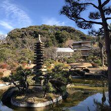 邸内の日本庭園