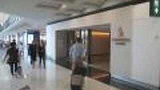 シンガポール航空 シルバークリスラウンジ (香港国際空港)