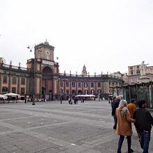 ダンテ広場