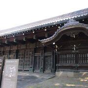 上野の黒門と呼ばれています