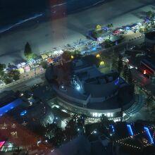ホテルからのビーチフロントマーケット