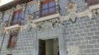 マドラサ宮殿