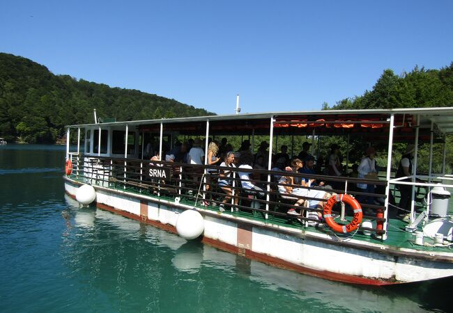 プリトヴィッツェ遊覧船