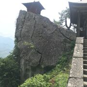 芭蕉の俳句で有名な山寺