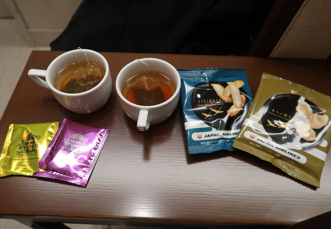 岡山空港 JALサクララウンジ