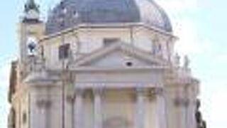 サンタ マリア イン モンテサント教会