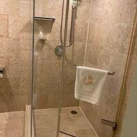シャワーブースもあります。