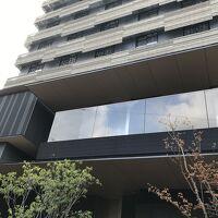2階のフロント入り口は 新京極通りから入った少し奥