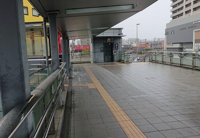 岐阜駅前の空中通路