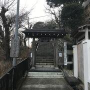 高台にあるお寺