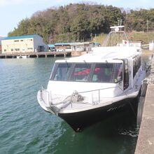 海軍ゆかりの港めぐり遊覧船 (北吸赤れんが桟橋)