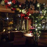 サロン1050。クリスマス飾りがきれい。