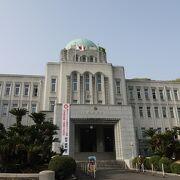 昔見た朝鮮総督府の建物にちょっと似ている