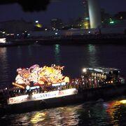 八甲田丸からは、ねぶたの海上運行や花火が堪能できました。