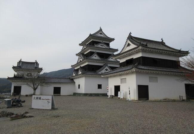 城再建の手本