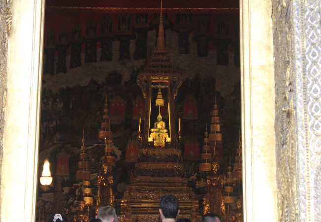 ワット プラケオ (エメラルド寺院) 本堂
