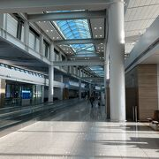 大きくてきれいな空港
