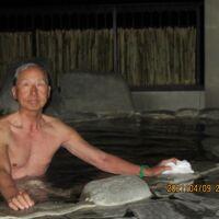 露天風呂もあり、ただし温泉の利用時間は昼から夜10時まで。