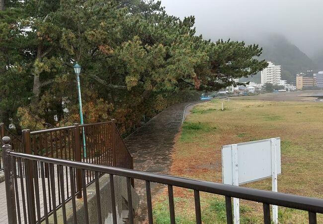 土肥温泉の海岸沿いの公園