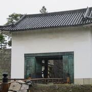 平和な時代の櫓門