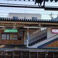 商店街の中にある駅