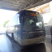 アルへシラスからラ・リネア行きのバス