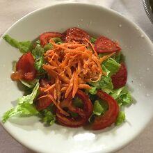 サラダ(3ユーロ)