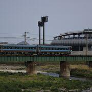 四国唯一の電車特急が走る高松~宇和島を結ぶ四国縦断線