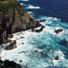 大平洋の荒波が凄い
