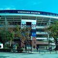 JR関内駅の目の前にある球場です。