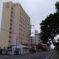 石垣港ターミナルや離島ターミナル、バスターミナルは徒歩圏内