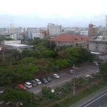 7階の部屋の窓からは、石垣市内を一望することが出来ます