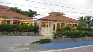 毎晩、沖縄のショーが開催される。