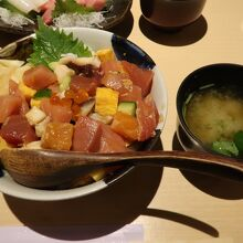 ランチ(山正丼)
