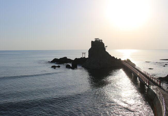 波立海岸弁天島