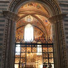 「サン・ブリツィオ礼拝堂」