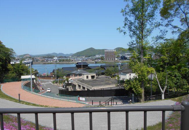国宝犬山城の下を流れる大河