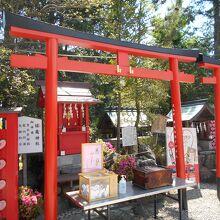 三光稲荷神社境内末社姫龜神社