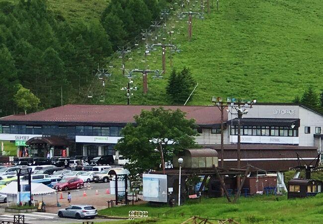 車山ビジターセンターが入る