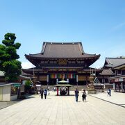 Temple that you can enjoy as a walking route rather than in a historical atmosphere
