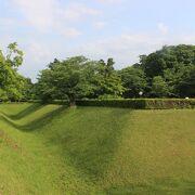 徳川幕府の有力譜代大名・堀田家の居城です。日本100名城です。