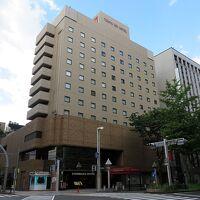 広小路通沿いに建つホテルです