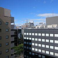 窓からの眺め、中央奥にはテレビ塔も見えます
