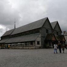 サント カトリーヌ教会