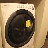部屋には洗濯機もあります