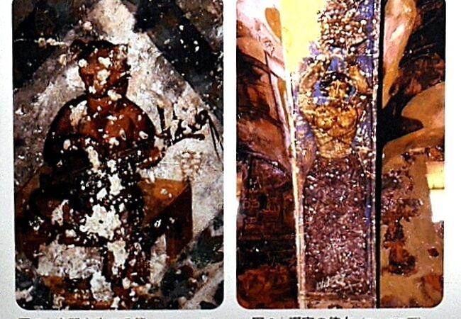 楽器を弾く熊や半裸の婦人の絵などイスラム文化ではかなり意外な絵がある砂漠の離宮